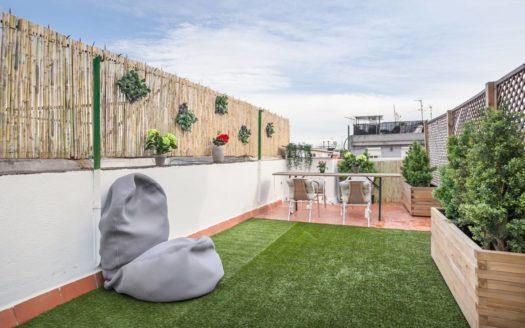 Bonito ático con terraza privada